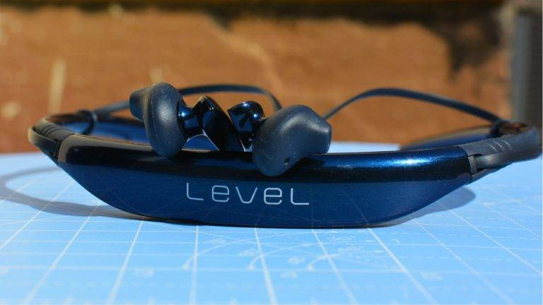 Samsung Level U Review: A good offering from Samsung