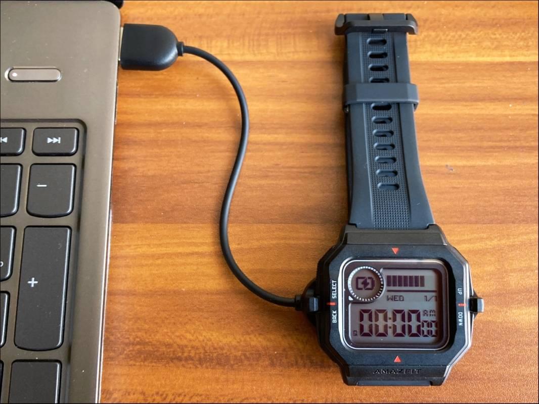 charging amazfit neo smartwatch mrnoob